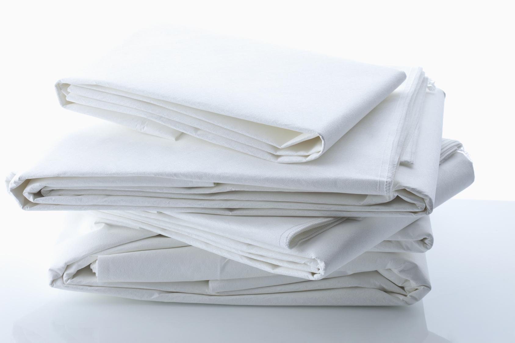 Białe antyalergiczne prześcieradło 100% bawełny